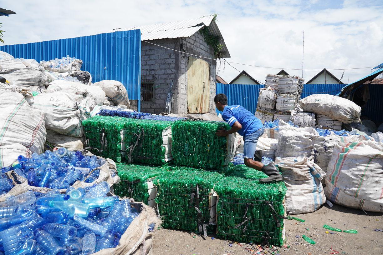 Dampak sampah plastik bagi tanah dan lingkungan